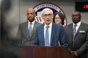 Los republicanos de Wisconsin presentan una demanda para bloquear la orden estatal de quedarse en casa