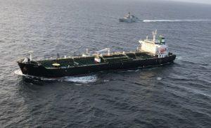 Buques con gasolina para Venezuela meten más al país en la tensión entre EEUU e Irán