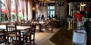 Restaurantes en Miami reabren y reciben pocos clientes