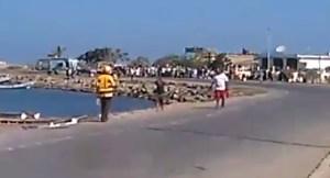 EN VIDEO: Así protestan los pescadores en el estado Sucre por la falta de gasolina #4Jun
