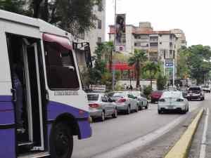 Pasaje dolarizado y suministro de gasolina sin racionamiento, algunas de las exigencias del sector transporte