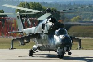 """Helicóptero artillado ruso fue """"remolcado"""" por las fuerzas legítimas en Libia (VIDEO)"""