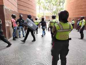 PoliChacao y Cicpc frustran robo en entidad financiera del CSI (Fotos)