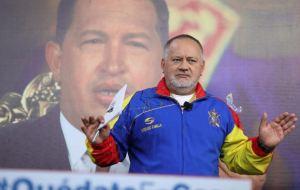 """Diosdado Cabello acusó al embajador de España en Venezuela de """"facilitar"""" la salida de Leopoldo López"""