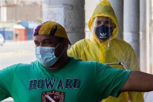 Las muertes por coronavirus siguen enlutando familias en Venezuela