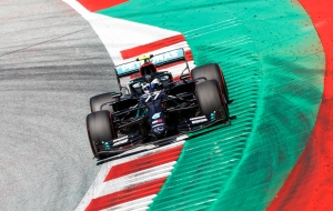 "Bottas ""roba"" a Hamilton la pole position del GP de Austria"
