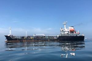 Estados Unidos pone los tornillos en la industria marítima para cortar el petróleo de Venezuela