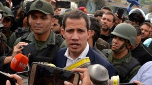 """Militares venezolanos retirados declararon su apoyo a Juan Guaidó: """"Nos comprometemos a recuperar el monopolio del uso de las armas"""""""