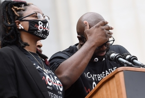Lágrimas de justicia: Así recibió la familia de George Floyd la sentencia contra expolicía (VIDEOS)
