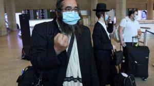 Peregrinos judíos que no pudieron entrar en Ucrania, encolerizados contra Israel