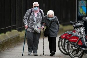 La vacuna de Oxford contra el Covid-19 genera respuesta inmune en ancianos