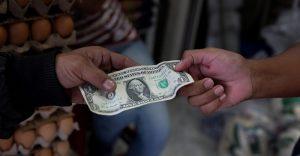 """La insólita distorsión económica en Venezuela, el país del dólar a """"80 centavos"""""""