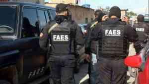 Video: Delincuentes retomaron enfrentamientos en La Vega contra las Faes este #16Abr