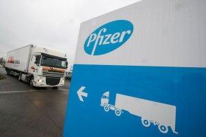 Retrasar segunda dosis de Pfizer generaría más inmunidad, según expertos