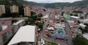 Reportaron nueva balacera entre comisiones policiales y delincuentes en La Vega #7Jun (Videos)