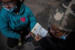 Cruzar a pie el altiplano, la última frontera de los caminantes venezolanos (Fotos)