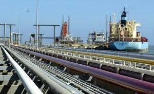 """""""Viajes perfectos"""": Venezuela envía combustible para aviones a Irán en intercambio por gasolina"""