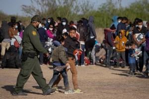 Más de un centenar de menores inmigrantes han cruzado la frontera en Arizona, EEUU (Video)