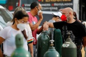 """Médicos venezolanos temen que la """"flexibilización"""" aumente la incidencia del coronavirus en el país"""