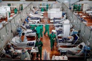 Brasil cerró julio con el menor promedio semanal de casos de Covid-19 en el año