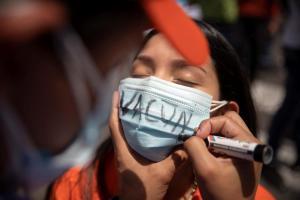 Chavismo admitió casi 900 nuevos contagios de coronavirus en Venezuela
