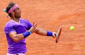 Nadal avanzó a semifinales y Djokovic complicado por la lluvia en Roma