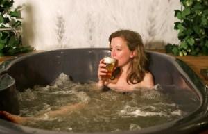 Burbujas de cebada: Abren spa de cerveza en Bruselas (Fotos)