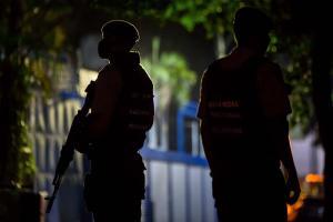 Sede de El Nacional permanece ocupada y cercada por esbirros de Diosdado (Fotos)