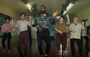 """VIRAL: Lebron James muestra sus pasos de salsa al ritmo de """"Devórame otra vez"""" (VIDEO)"""