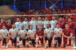 Jugadores de la Vinotinto de voleibol fueron amenazados si hacían fotos de su vuelo a Santo Domingo