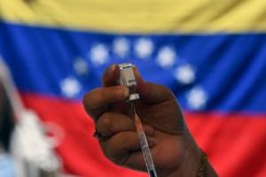 """Entre incertidumbre y opacidad, los venezolanos califican como pésimo el """"plan de vacunación"""" (Encuesta LaPatilla)"""