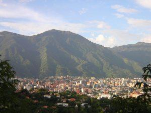 """Una """"ciudad comunal"""" en El Ávila, promesa de Maduro que pondría en riesgo a Caracas"""