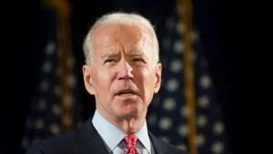 Biden considera vacunación obligatoria para empleados federales