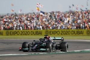 Red Bull pidió revisión oficial de la sanción a Hamilton en GP de Gran Bretaña