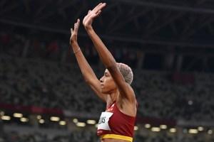 Sin despeinarse: Yulimar Rojas se mete en la final olímpica de salto triple en su primer intento