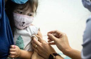 El Covid-19 retrasó la vacunación infantil de al menos 17 millones de niños, según la OMS y Unicef