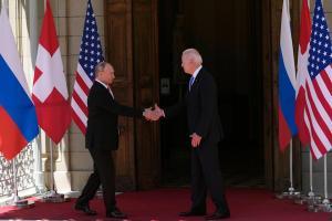 EEUU y Rusia acuerdan continuar su diálogo nuclear a fines de septiembre