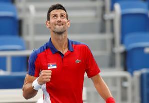 Novak Djokovic mantiene su paso firme hacia el oro olímpico