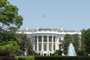 Casa Blanca aclaró que no está en guerra contra Facebook sino contra el coronavirus