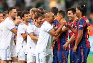 """El Real Madrid le ganó al Barcelona el espectacular """"clásico"""" de leyendas en Israel"""