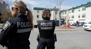 Confunden el cuerpo calcinado de una mujer con un maniquí y lo tiran a la basura en Canadá
