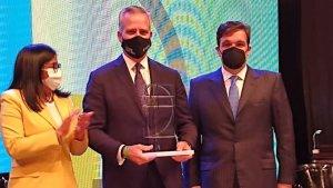 """Aliado del régimen recibe el premio como """"Empresario del Año"""" de Fedecámaras (Foto)"""