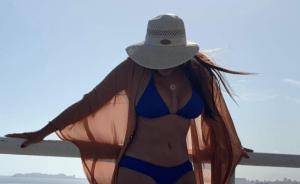 """¡Mujerón a la vista! Las nuevas fotos calientes de """"La Coconaza"""" de Radio Rochela"""