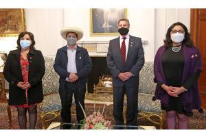 Castillo pisó el Palacio de Gobierno en Lima pero no desveló sus ministros