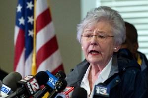 """Gobernadora de Alabama criticó a los no vacunados por """"elegir un estilo de vida horrible"""""""