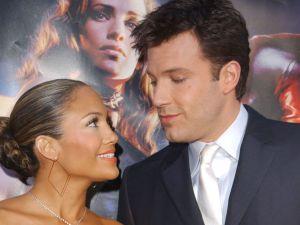 Así como quien no quiere la cosa… Jennifer Lopez y Ben Affleck posaron juntos por primera vez