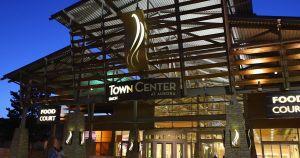Niño de dos años murió después de caerse del segundo piso de un centro comercial en Denver