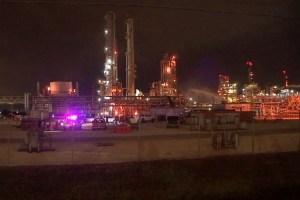 Al menos dos muertos y decenas de heridos por fuga de ácido en planta química de Texas