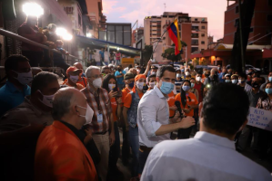 Guaidó extendió llamado a la organización democrática desde la parroquia San Pedro (Fotos)