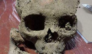 Hallaron tumbas con restos prehispánicos durante obras en Bogotá